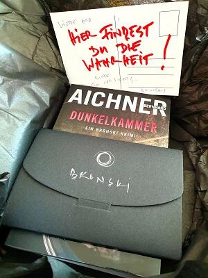 Buchpaket zum Buch Dunkelkammer von Bernhard Aichner