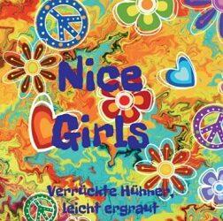 Nice Girls Verrückte Hühner, leicht ergraut von Barbara Bilgoni